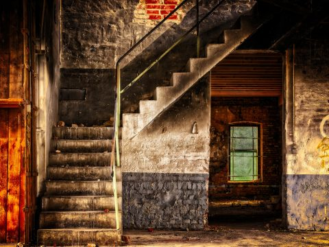 stairs-3314731_1920