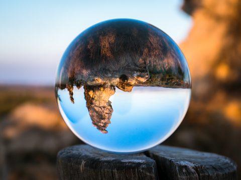 glass-ball-1766359_1920